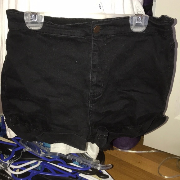 Forever 21 Pants - Black high waisted shorts